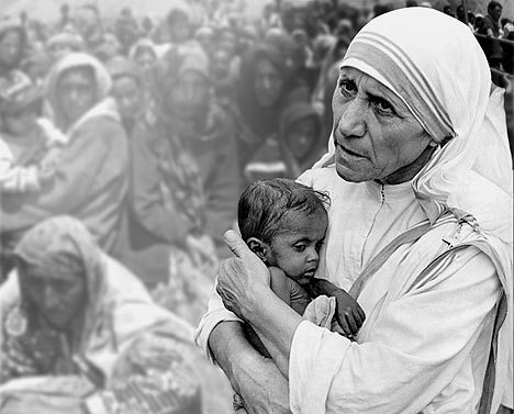 mother-teresa-and-poor1